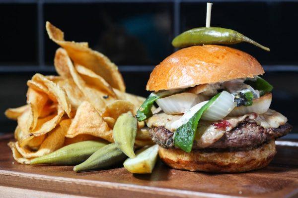 Rustic Burger avec piment vert