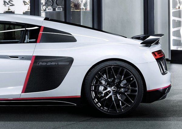 Audi-R8-Coupe-V10-plus-selection-24h-2016_05